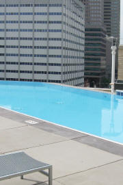 Horizon_Edge_High-Rise_Swimming_Pools